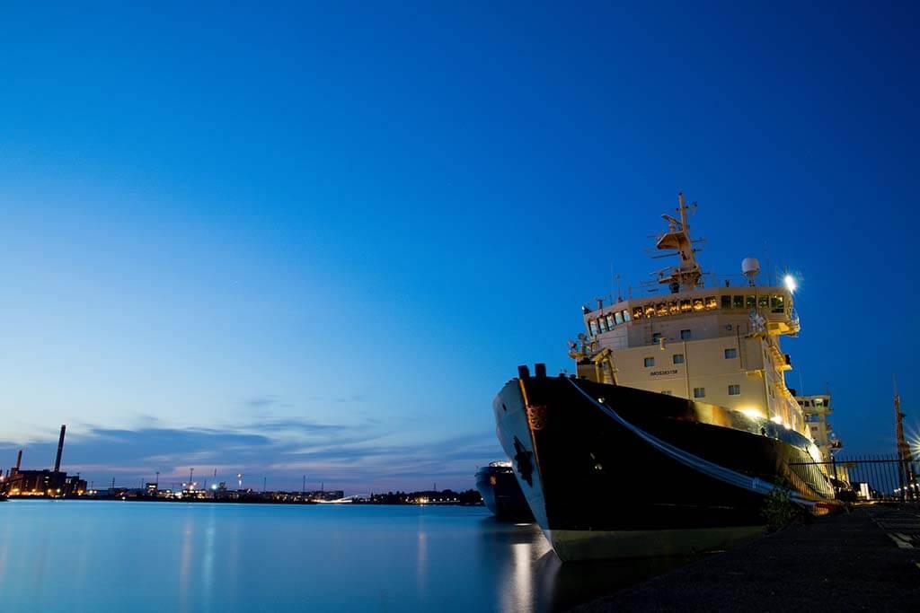 Fiber Bragg Gratings applications in Ships Monitoring
